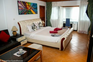 Aquarius Guesthouse - Suites and Apartments